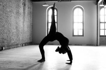 Carrie_Yoga_shoot_002_8328572519-352x233_0d978d49382d4b91420bcb42f60b5ccd